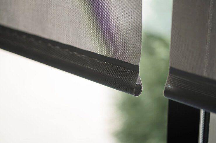 Diferencias entre tejidos Screen fibra de vidrio y poliéster para estores enrollables